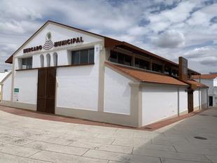 Nuevo plazo de licitación para los puestos del Mercado de Abastos de Los Santos de Maimona que quedan libres