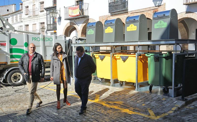 PROMEDIO renueva la estructura de los contenedores soterrados de la Plaza Grande de Zafra