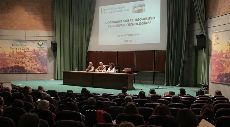 El alcalde de Zafra inaugura la jornada sobre Uso y Abuso de las Nuevas Tecnologías