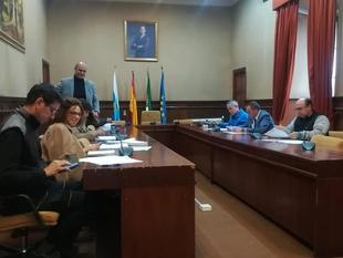 El Ayuntamiento de Zafra firma el convenio con las asociaciones de las escuelas deportivas