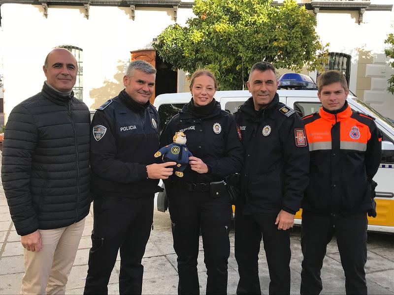 La Policía Local de Zafra se suma a la campaña Star Spain a favor de la AECC con el viaje del muñeco Clawhauser