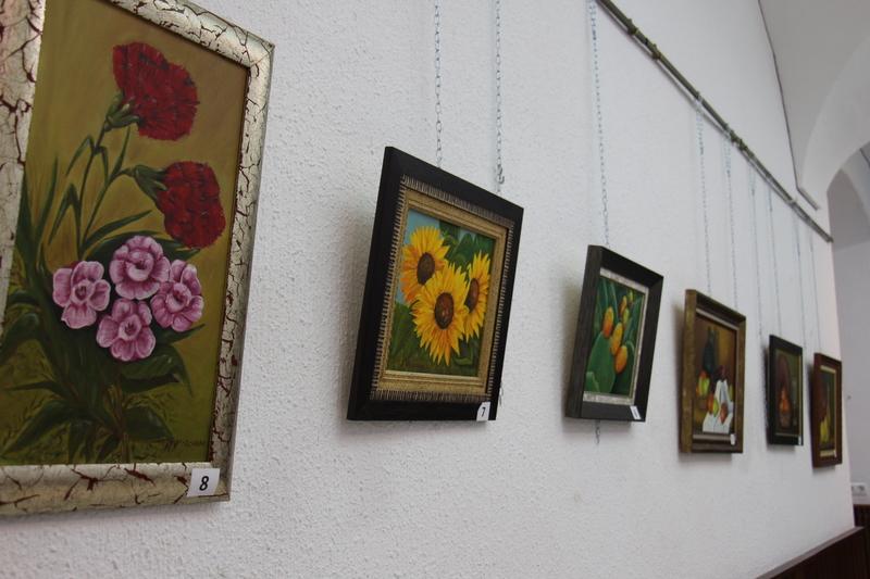 María Victoria Corchado Ángel expone sus obras en la Sala de Exposiciones de la Casa de la Cultura