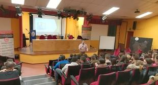 CEAT Badajoz impartió una charla - taller sobre motivación hacia el autoempleo a estudiantes en Zafra