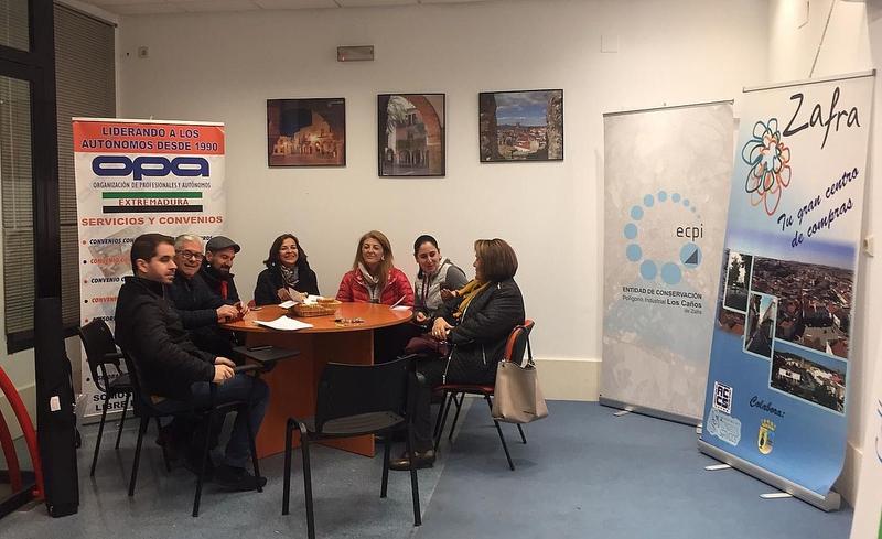 El Ayuntamiento informa a las asociaciones de comercio, servicios y empresarios de Zafra sobre subvenciones