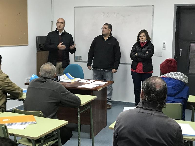 El alcalde inaugura el curso de Operaciones Auxiliares de Montaje de Redes Eléctricas en el centro ocupacional
