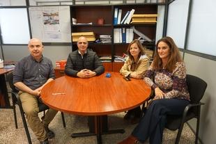 El alcalde de Zafra visita las obras de la Deutz Business School, que comienza su formación en abril con un máster