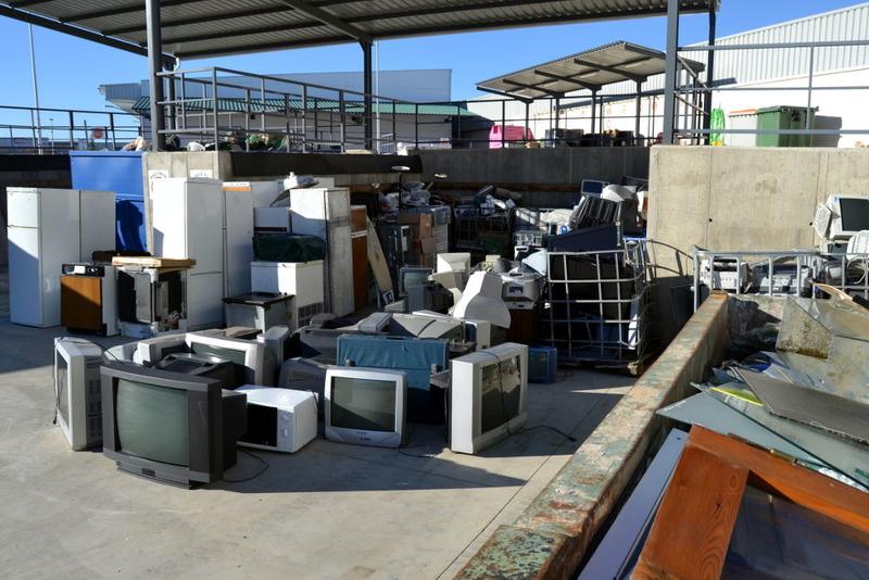 Promedio programa formación especializada para mejorar la gestión de residuos en puntos limpios