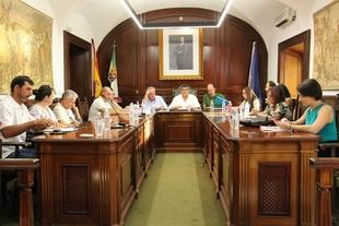 El Ayuntamiento de Los Santos de Maimona celebra el primer Pleno Ordinario de la presente legislatura