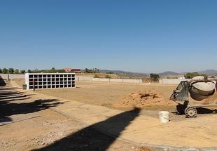 La ampliación del cementerio municipal de Zafra ya ha comenzado
