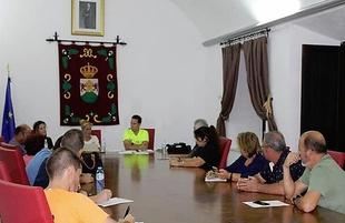 Reunión entre las entidades deportivas y el Ayuntamiento de Burguillos del Cerro