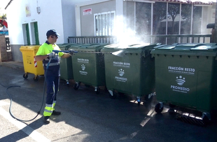 Cobertura 24 horas y casi 300 contenedores, dispositivo especial para la recogida de residuos en la Feria de Zafra