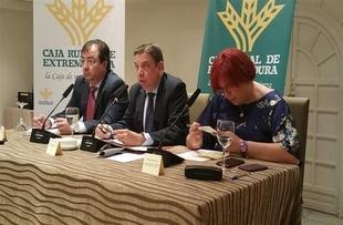 Luis Planas y Vara muestran en Zafra su preocupación por la sequía en Extremadura, y trabajan en `medidas de respuesta´