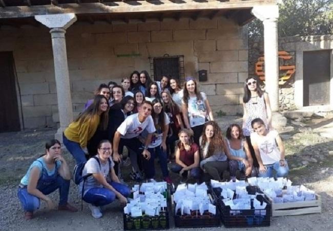 El alumnado del IES `Fuente Roniel´, de Fuente del Maestre, ha participado en el programa de recuperación de pueblos abandonados