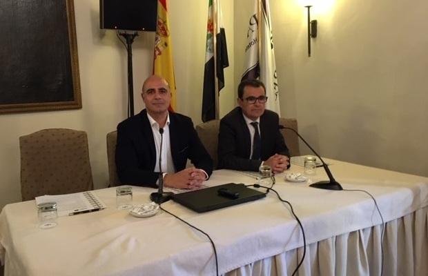 El alcalde de Zafra presenta un seminario temático e intercambio de experiencias sobre la promoción del patrimonio